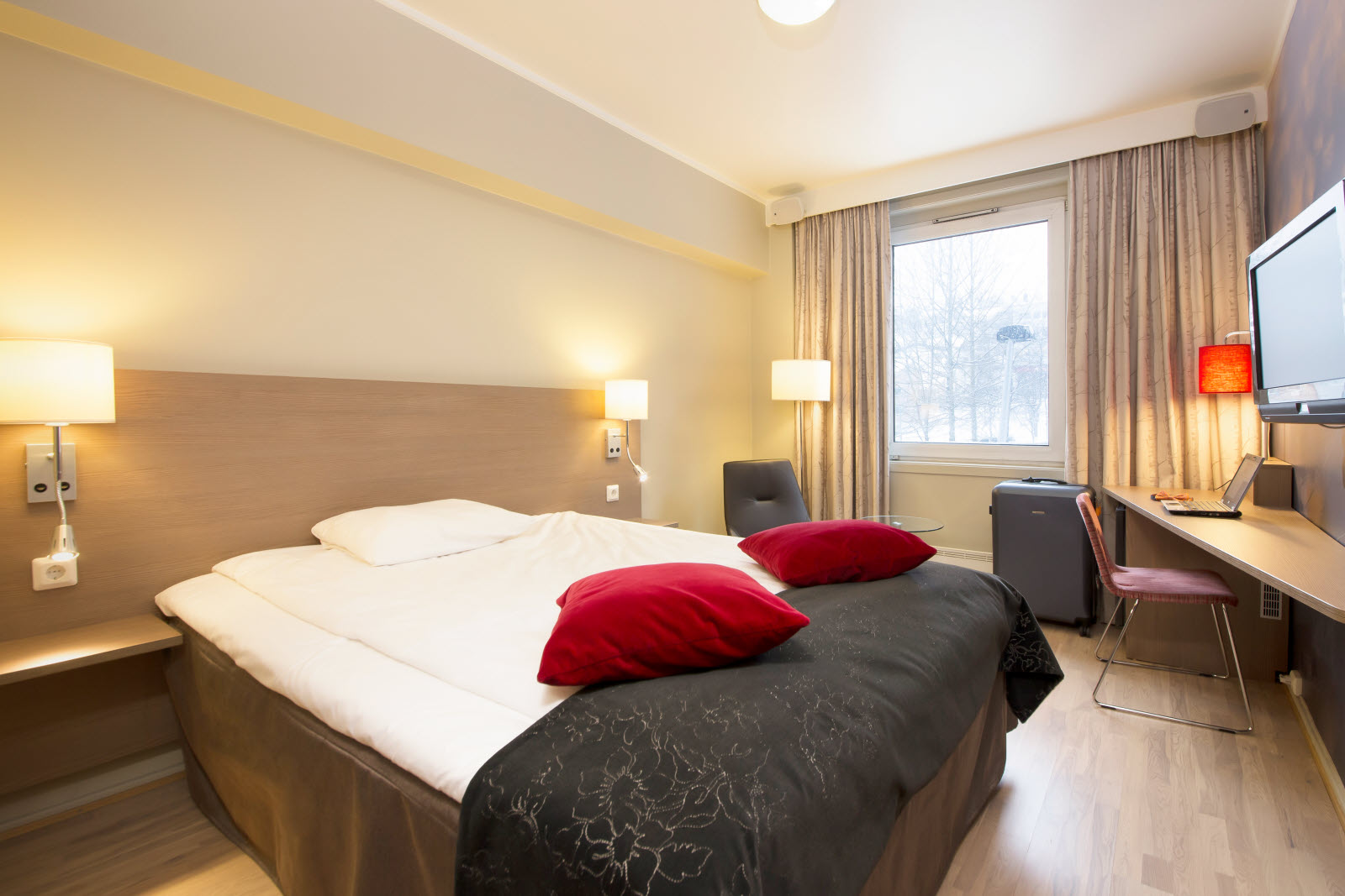 Scandic Grand Tromso, Tromso, standard room, queen bed, room 312