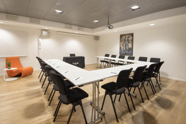 Meeting room, U-shape