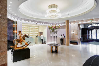 Grand Hotel Oslo by Scandic, Lobby and entrance