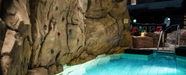 Climbing wall | Scandic The Reef | Scandic The Reef