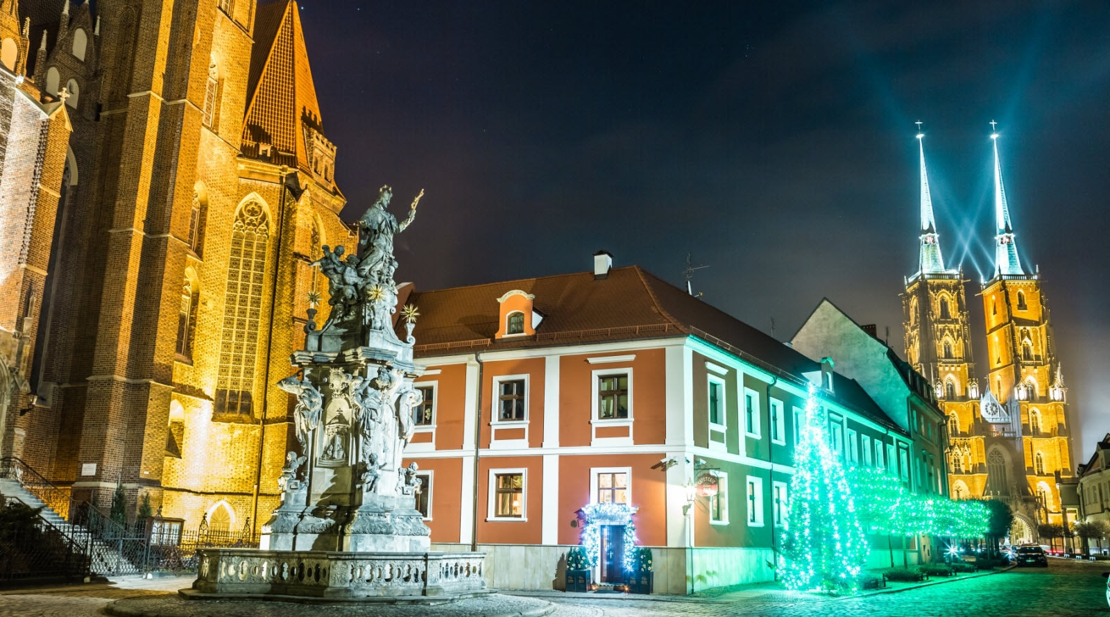 winter-christmas-wroclaw-poland.jpg
