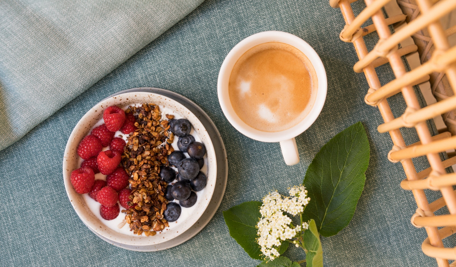 Be your own breakfast architect - granola and berries