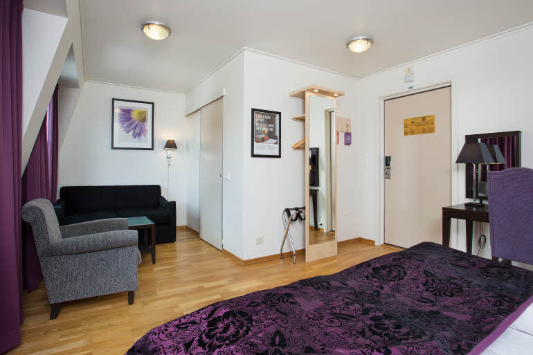 mo i rana chat rooms Norwegian hotels and apartments in mo i rana,  situated in central mo i rana, hotel svartisen offers guest rooms and studio apartments free wi-fi  chat home.