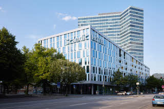 Scandic-Hamburg-Emporio-exterior-view-day.jpg