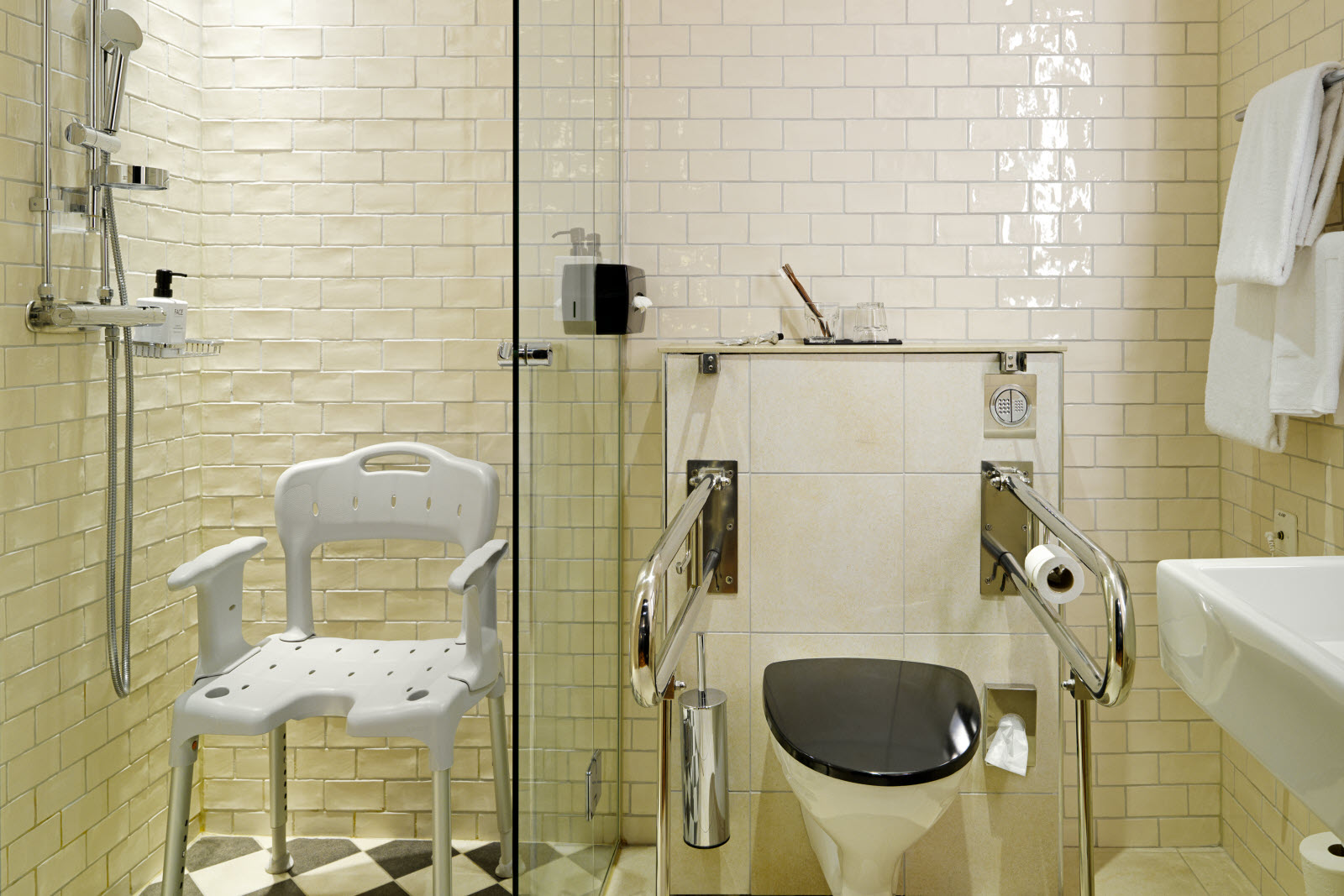 Scandic Grand Central, Accessibility bathroom