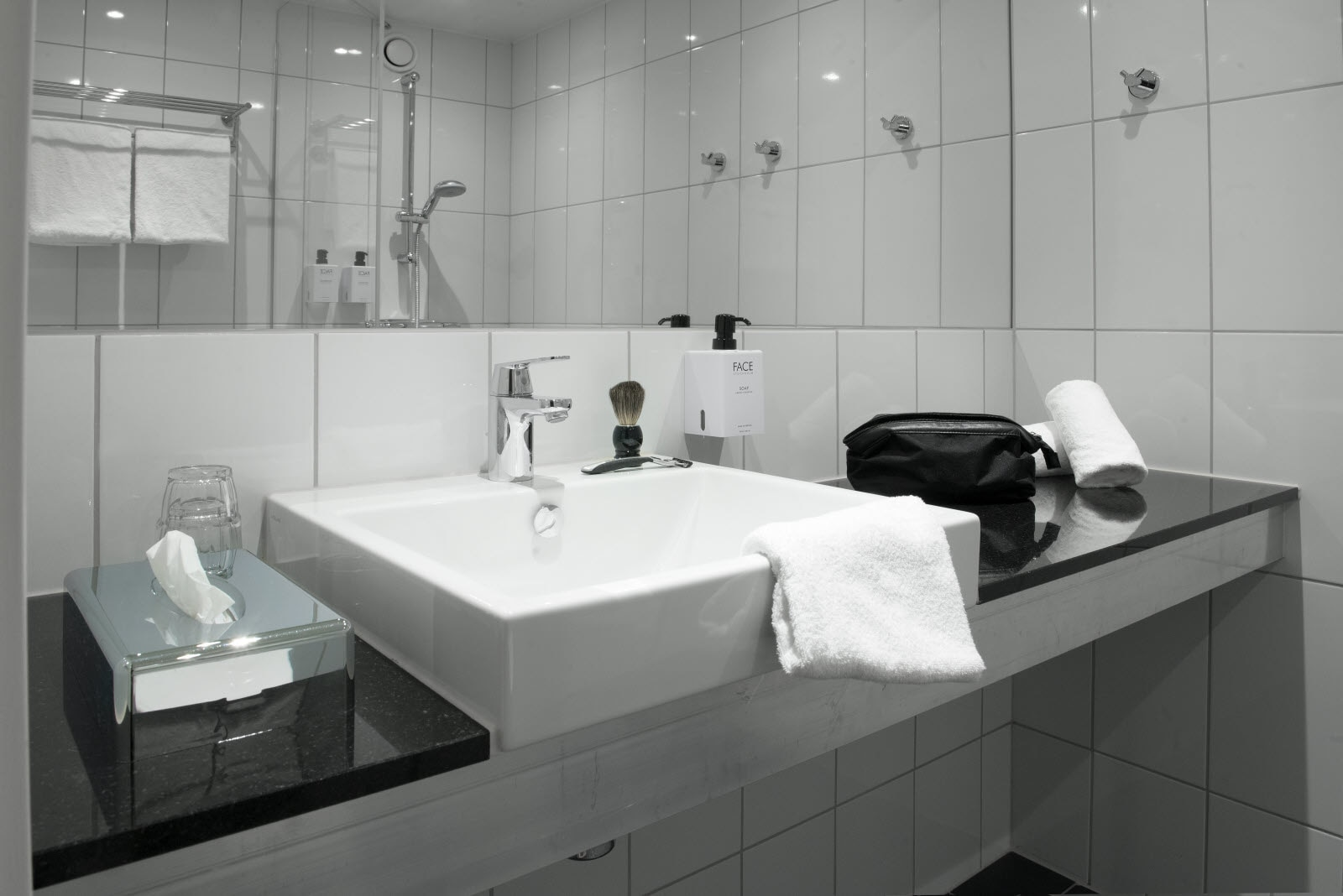 Scandic-Crown-Room-Standard-Bathroom.jpg