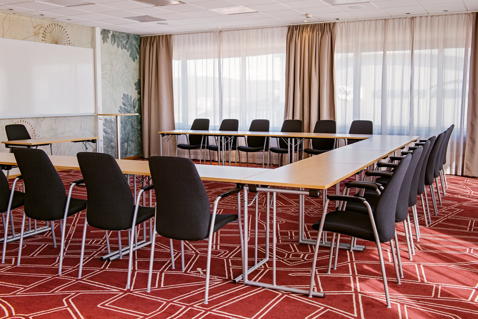 Scandic-Elmia-Interior-conference-meeting-room-Ste.jpg