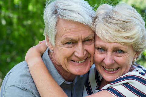 senior-couple-mostphotoscom.jpg