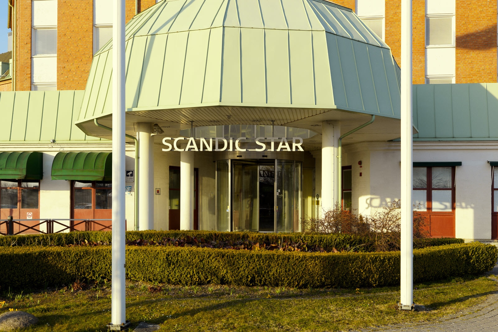 Scandic Star, entrance