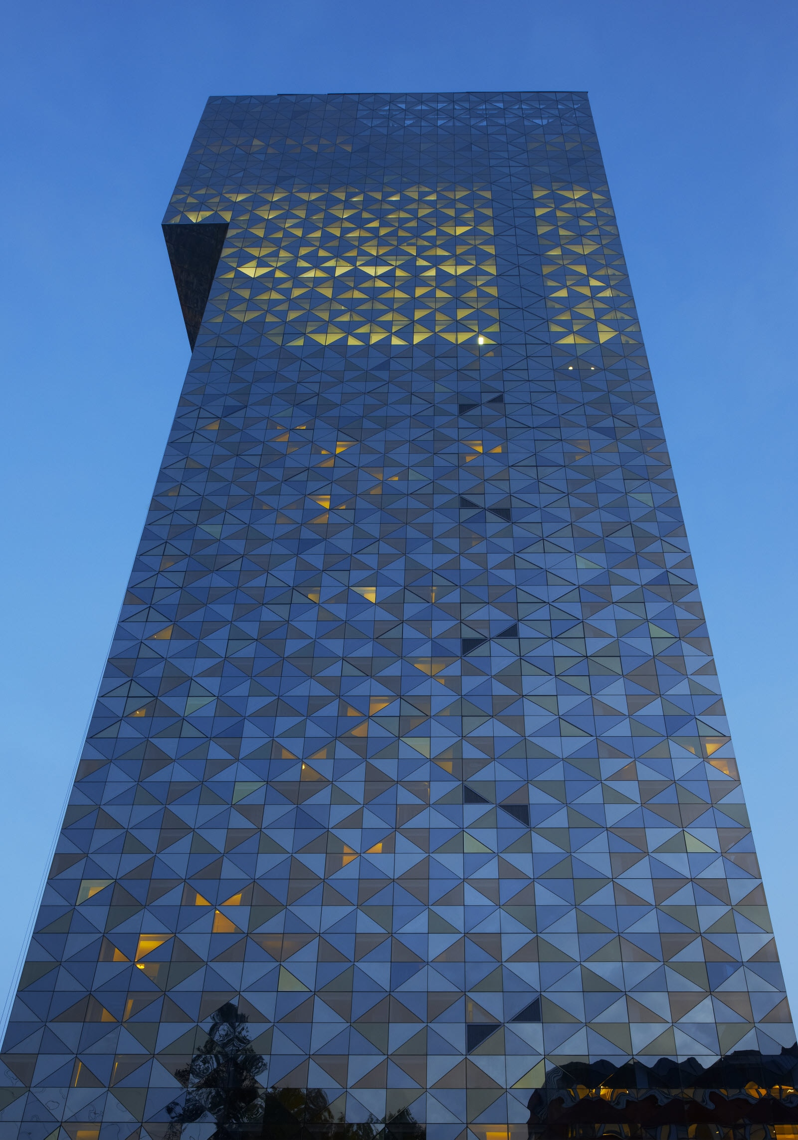 Scandic Victoria Tower, facade