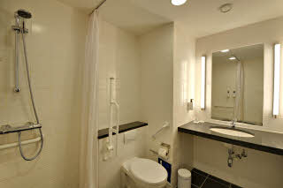 Scandic Jacob Gade, HCP room, bathroom