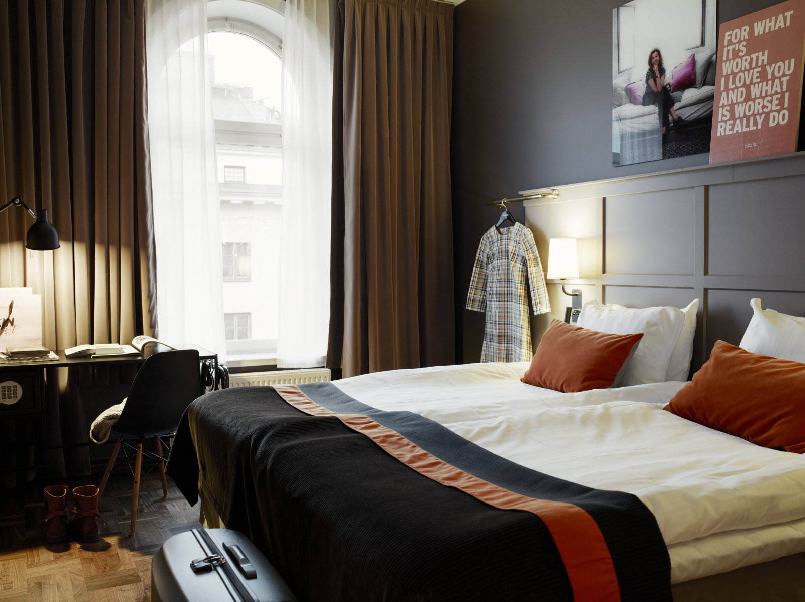 Grand_Central_by_Scandic_classic_double_bedroom2.jpg